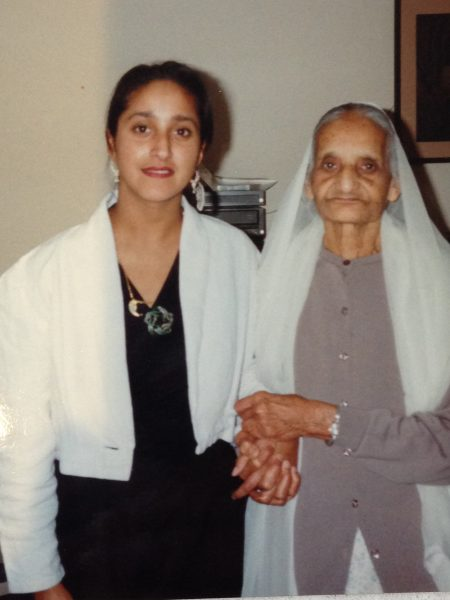 A photo of Jasbinder Bilan (left) with her Majee (right)